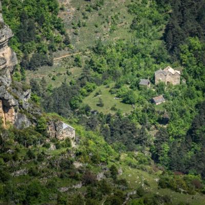 Depuis Eglazines, le hameau de Boubals, de l'autre côté du Tarn (ph. E. Trannois)